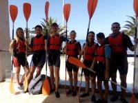 Preparados para comenzar el paseo en canoa
