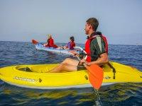 Ruta en kayak en familia por la costa de Fuerteventura