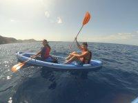 Disfrutando de la ruta en canoa por Fuerteventura