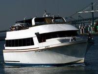Navega en una embarcación