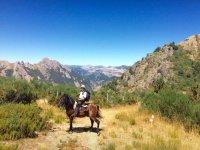 Paseando a caballo por las montanas leonesas