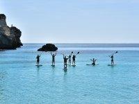 Sobre las tablas de paddle surf en la cala