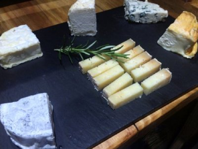 Wine and cheese tasting in Rias Baixas