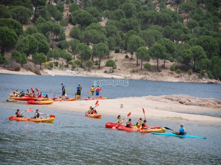 Kayaking en el embalse