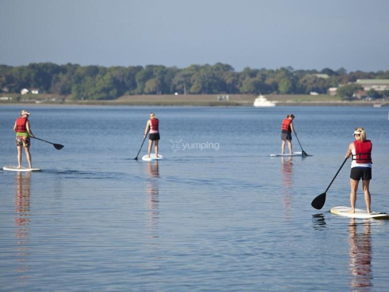 Paseo en grupo en paddle surf