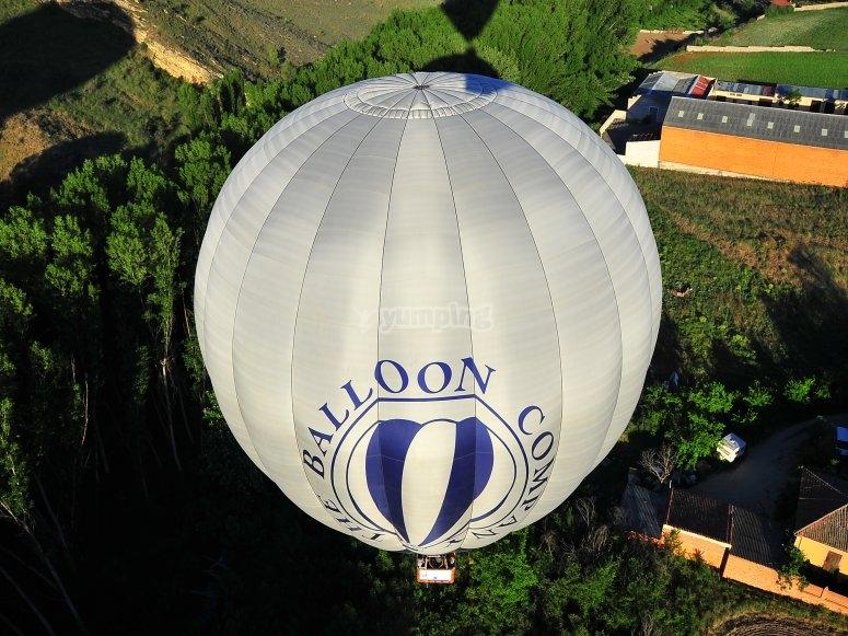 Vela del globo desde arriba