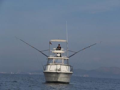 在巴利阿里群岛上钓鱼