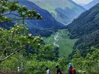 欣赏阿兰河谷的景色