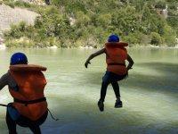 Saltando hasta el agua
