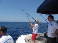 在Pollensa海湾钓鱼4小时