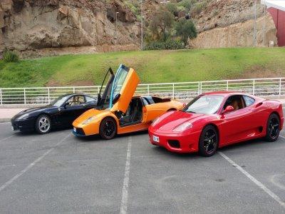 Paseo en Ferrari y Lamborghini en Mogán por 45 min