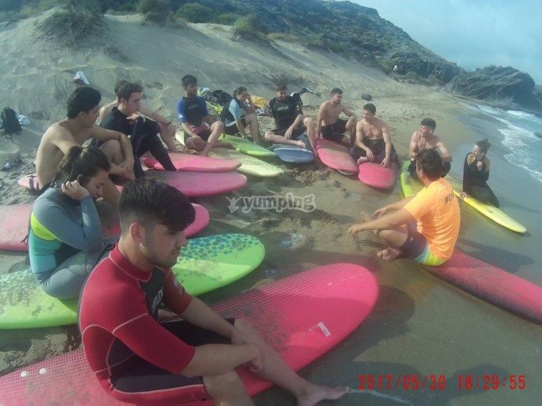 Preparando las tablas de surf