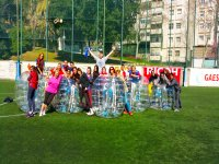 Partidito de bubble football en Barcelona