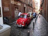 Tour through the narrow streets of the city at 600