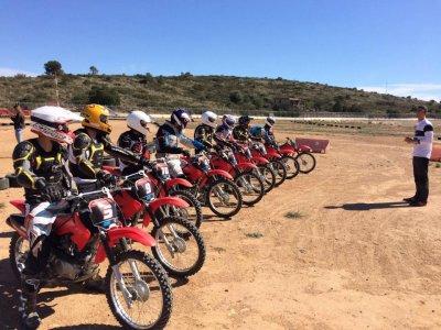 Corso di guida motociclistica di livello 2 a Valencia