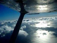 Pilota una avioneta en Cádiz por 45 minutos