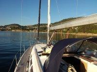 Partenza in barca dal porto di Combarro