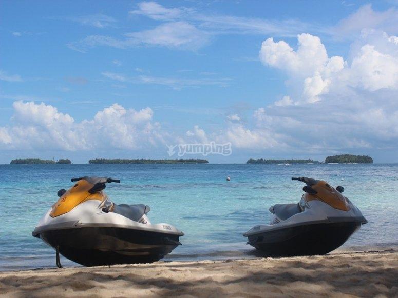 Hermosas motos de agua