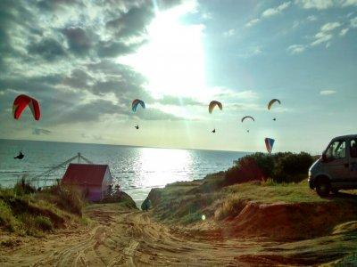 Vuelo en parapente biplaza para grupos en Huelva