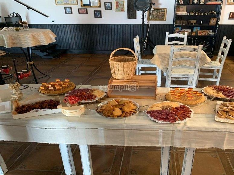 Capea con comida en Sevilla