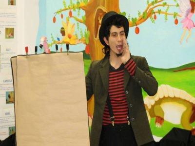 Gymkhana在家里进行了3小时的魔术表演