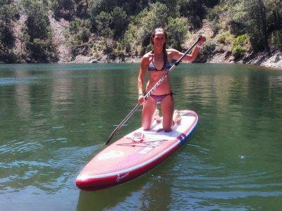 Alquilar tabla de paddle surf en Lago Istán 1 hora