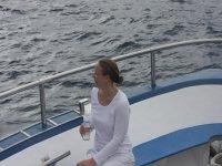 欣赏风景享受在海上的海龟降温船上