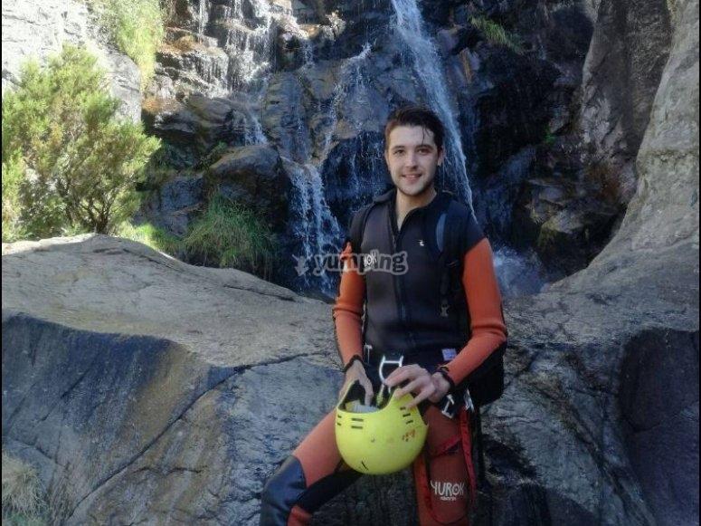 Posando en la cascada en Somosierra
