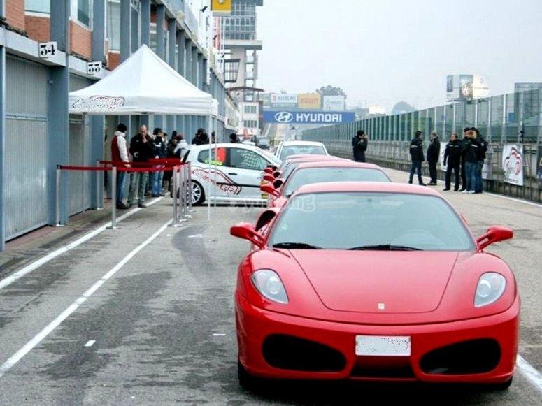 Ferrari sul circuito
