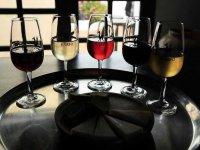 享受葡萄酒