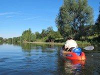 Navega en canoa