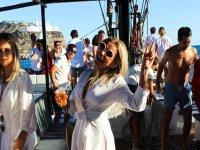 乘船时跳舞