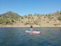 Stand up paddle sul lago Istan Marbella