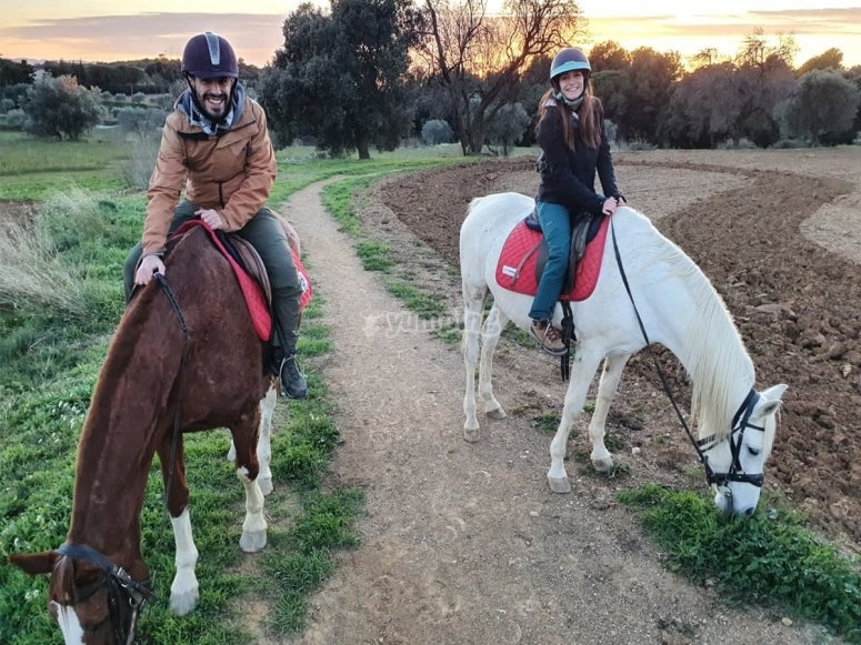 Ruta a caballo en pareja