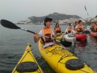 Practicaran Kayak en el mar