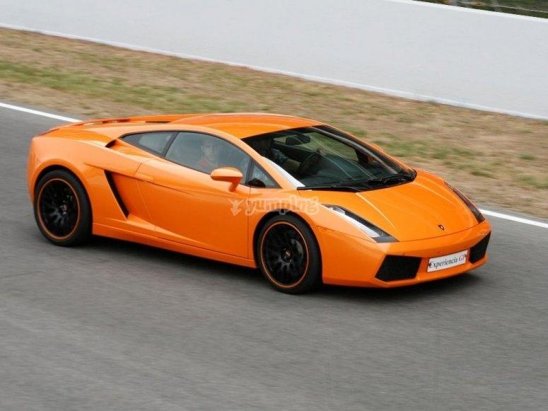 Lamborghini naranja