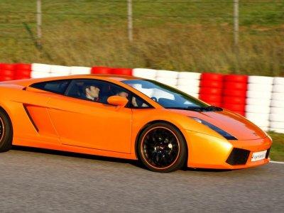 Drive a Lamborghini in Brunete Circuit, 1 Lap