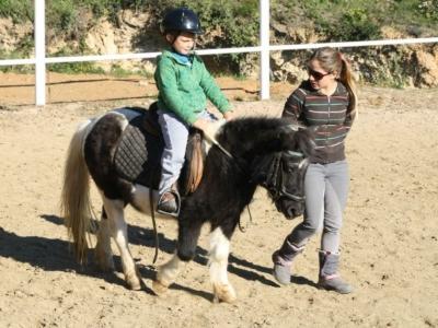 Kids horseriding lesson,Cánoves,15min