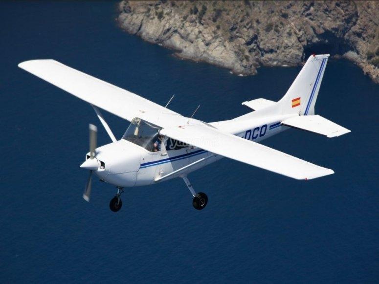 Avioneta con piloto profesional