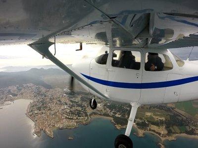 Vuelo en avioneta Cessna costa de Girona 30 min