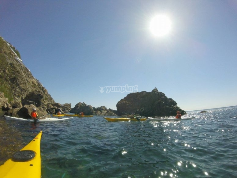 Kayak con el sol de frente
