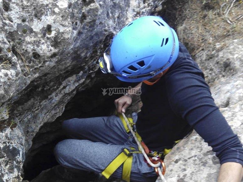 Entrada de la cueva de Nívar