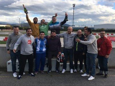 Carrera de karts en Cabañas Raras para grupos