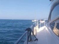 Disfrutando de la embarcación en el Mediterráneo
