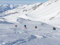 滑雪之旅前往阿尔卑斯山国王周