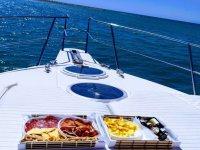 尽享舒适的乘船之旅