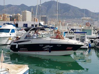 Noleggia una barca con cabina a Málaga Monterey