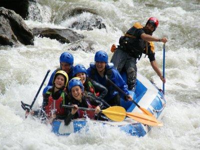 Deportes de aventura Pirineo Catalán y alojamiento