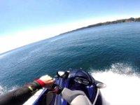 布拉瓦海岸摩托车夫妇的水路线