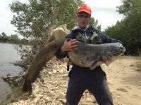 Pescador con su captura